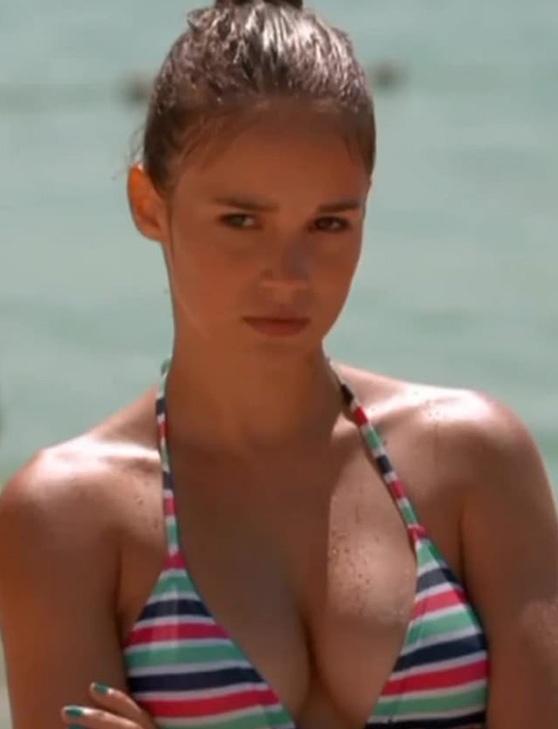 Alba Baptista glamorous bikini image