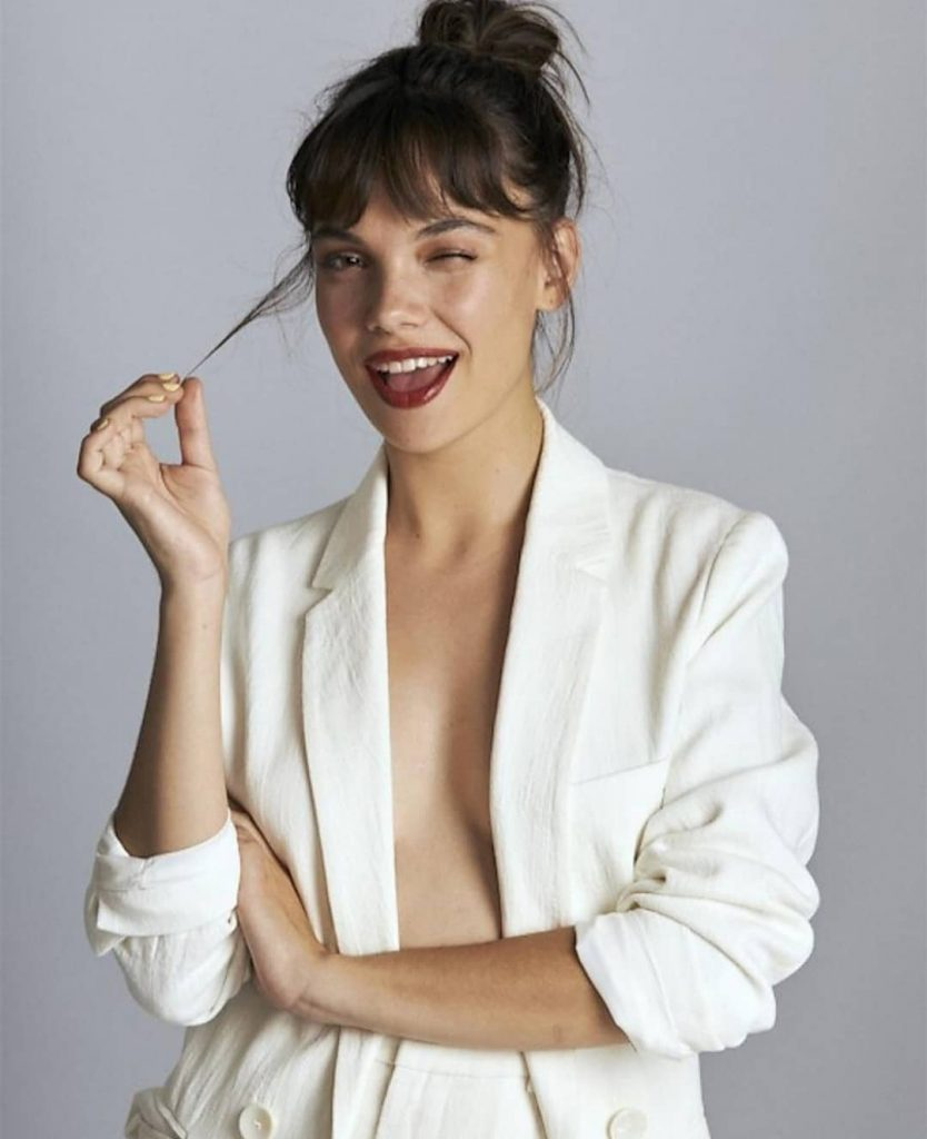 Martina-Cariddi-glamorous-photoshoot-in-white-suit-834x1024
