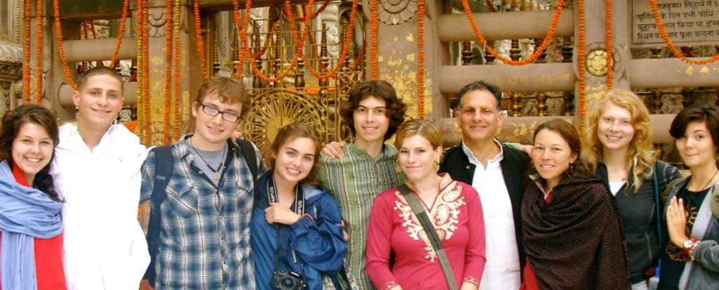 us-citizens-traveling-in-india-1-1140x460