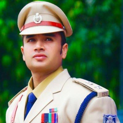 Meet IPS Officer and Body Builder Sachin Atulkar! Beaten