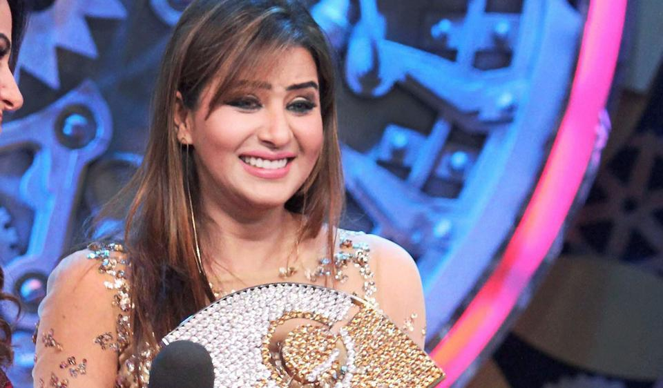 Fan Requested Shilpa Shinde to Work With Vikas Gupta. Here is what she Replied