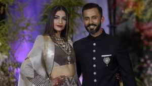 Sonam Kapoor's Reception Pics are Out. She's Looking too Pretty