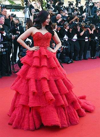 Stunning Photos of Aishwarya Rai at Cannes Film Festival