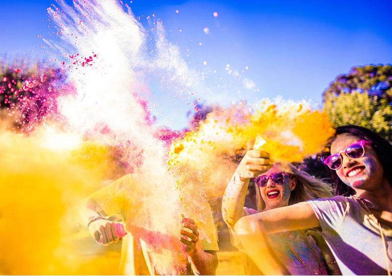 foreigner girls celebrate holi festival