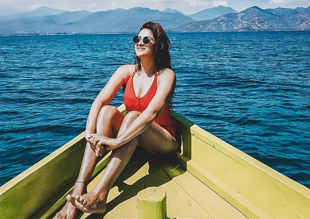 sonam lakhani fashion blogger India in bikini