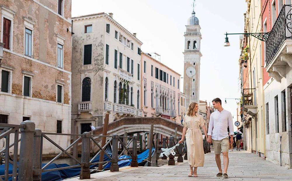 Venice romantic love honeymoon destination