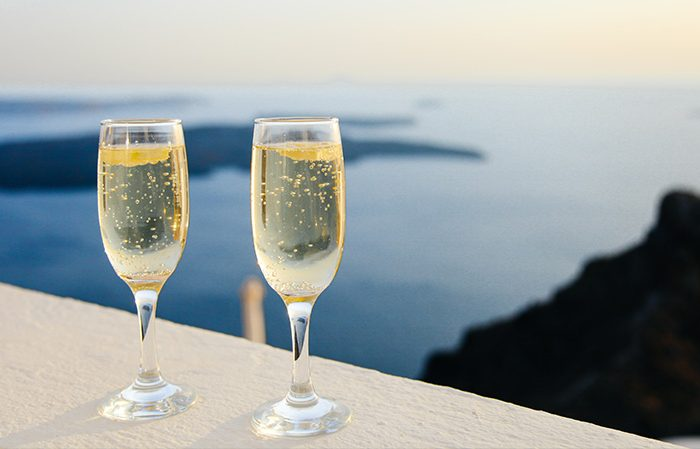 Top 10 Super Romantic and Affordable Honeymoon Ideas